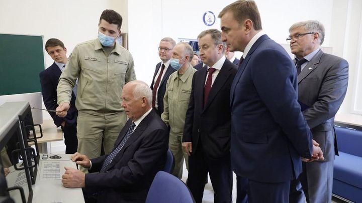 Сергей Чемезов и Алексей Дюмин встретились с молодыми тульскими учёными