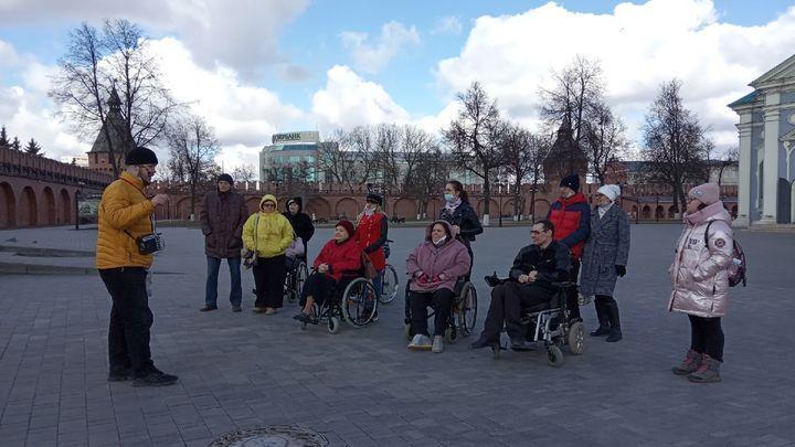 Доступный кремль: туляки с ограниченными возможностями здоровья посетили главную достопримечательность губернии