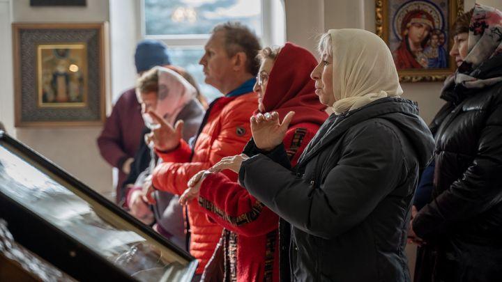 В Новомосковске прошла первая служба для глухих и слабослышащих людей