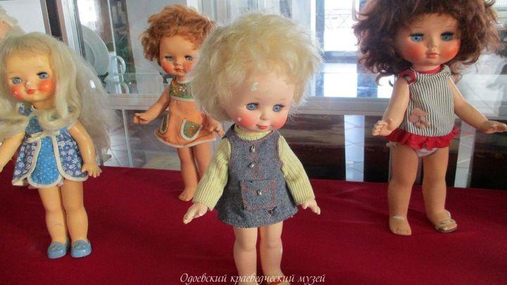 Вспомнить советскую моду по кукольным нарядам можно в Одоеве