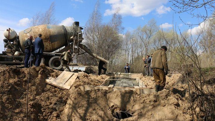 В Новомосковске приступили к восстановлению обрушившегося моста