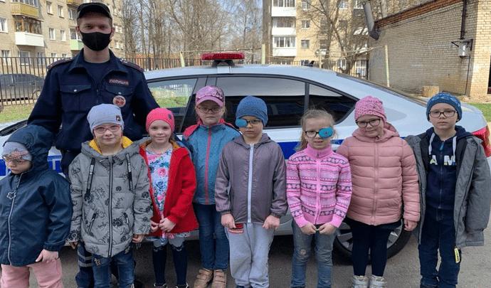 Маленькие новомосковцы с ограниченными возможностями здоровья стали помощниками полиции