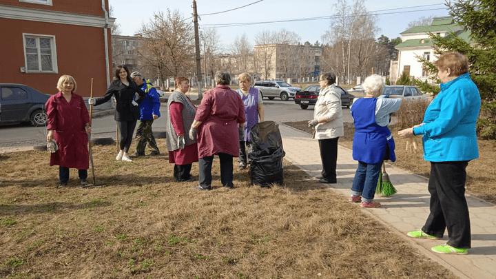 Культурный субботник: к месячнику чистоты в Алексине присоединились работники культуры