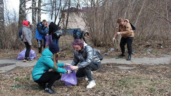 Молодые новомосковцы присоединились к всероссийской «Весенней неделе добра»