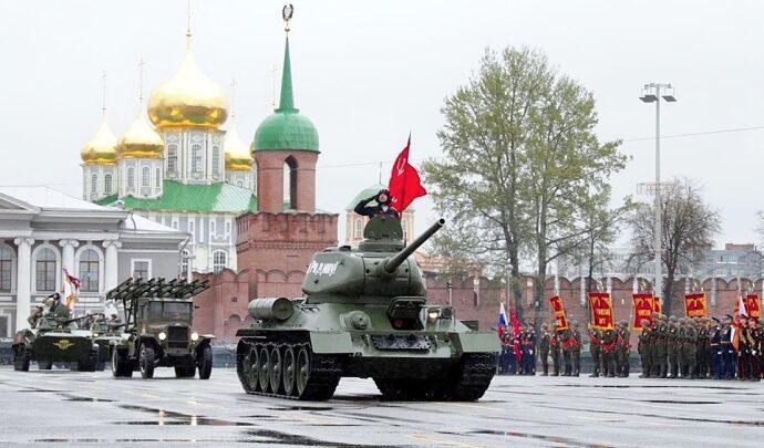 В День Победы в Туле прошёл военный парад