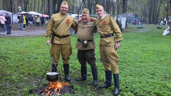 9 мая в Новомосковске развернули военно-полевой лагерь