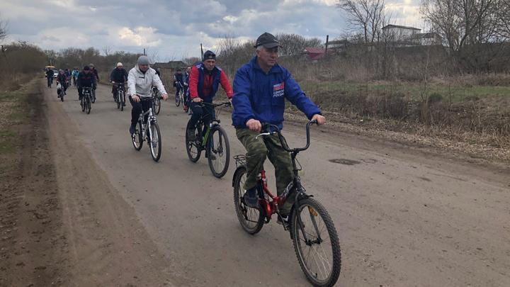 В Волово в честь Победы устроили велопробег «По родным просторам»