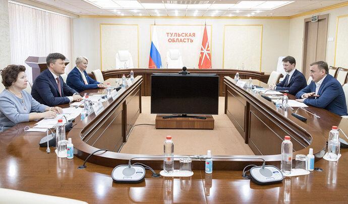 Алексей Дюмин провёл рабочую встречу с зампредседателя Центробанка