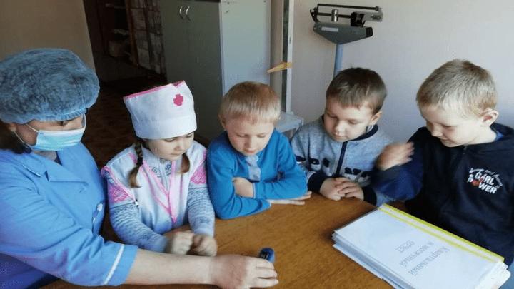 Хочу быть доктором»: попробовать себя в роли медика смогли узловские дошколята