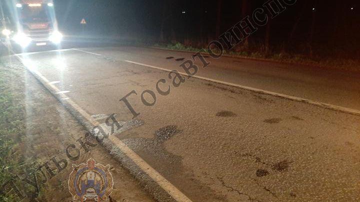 В Алексинском районе неустановленный водитель сбил юношу