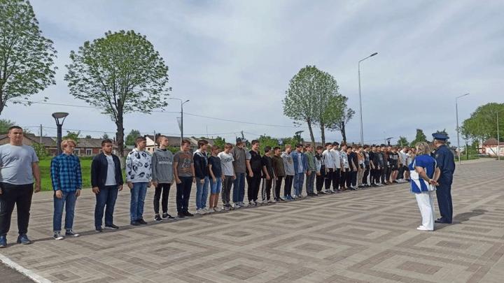 Ефремовских школьников поставили под ружьё