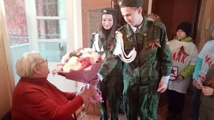 Ефремовцы присоединились к акции «Доброе утро, ветеран!»