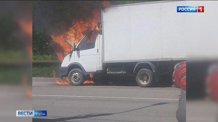 На Одоевском шоссе в Туле загорелась «Газель»