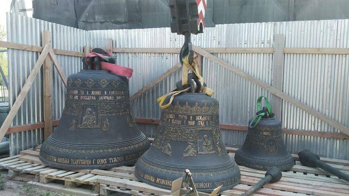 В Венёве начали работы по подъёму колоколов на Николаевскую колокольню