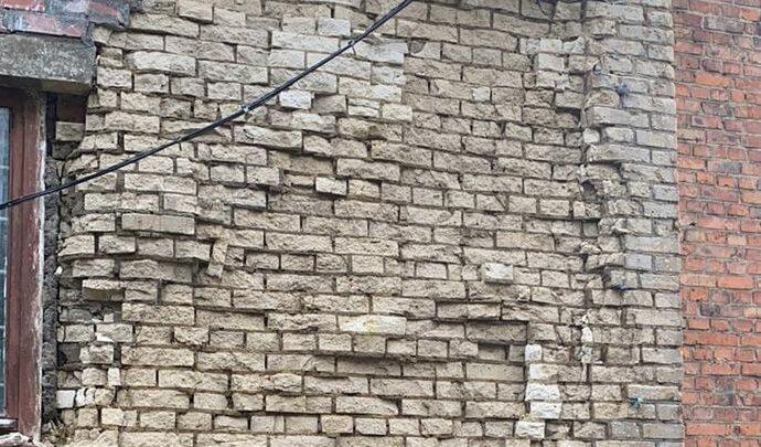 В Новомосковске частично обрушилась кладка в жилом доме