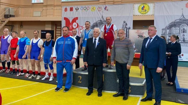Тула приняла чемпионат России среди тяжелоатлетов-ветеранов