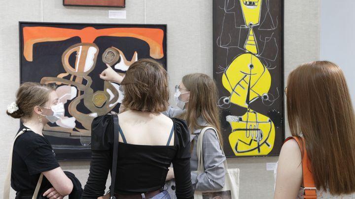 В Туле открылась выставка испанского художника Эдуарда Арранс-Браво