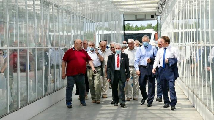 Почётные новомосковцы отправились на экскурсию по родному городу