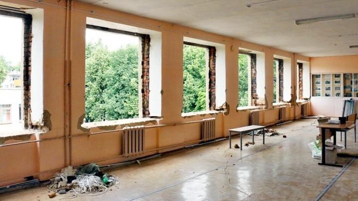 Замена окон в школе №23 города Новомосковска