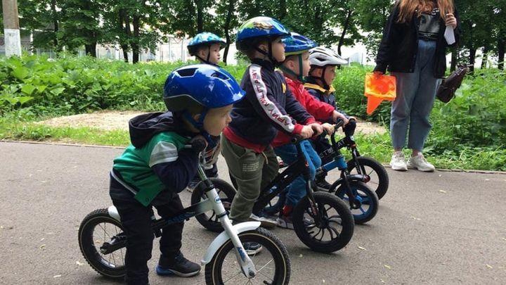 Квест на беговелах прошли юные следопыты из Новомосковска