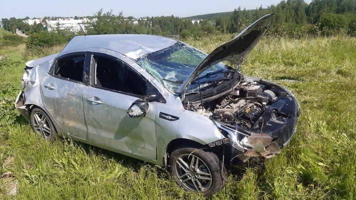 В Туле водитель грузовика отправил в кювет легковой автомобиль