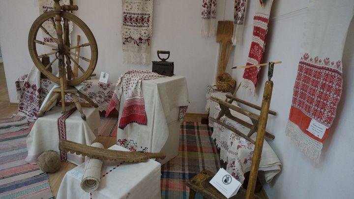 Жители посёлка Волово сами принесли в музей экспонаты для выставки