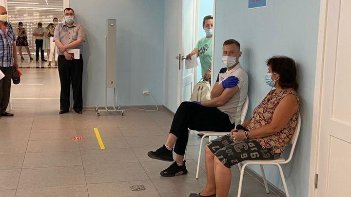 Пункт вакцинации в «Гостином дворе» продолжил работу