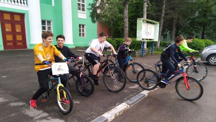 Бороться с наркотиками в Алексине начали велопробегом