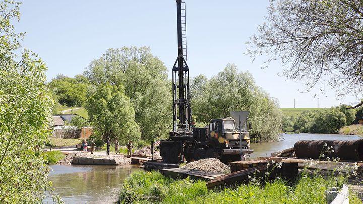 Минобороны приступило к возведению мостов в Тульской области