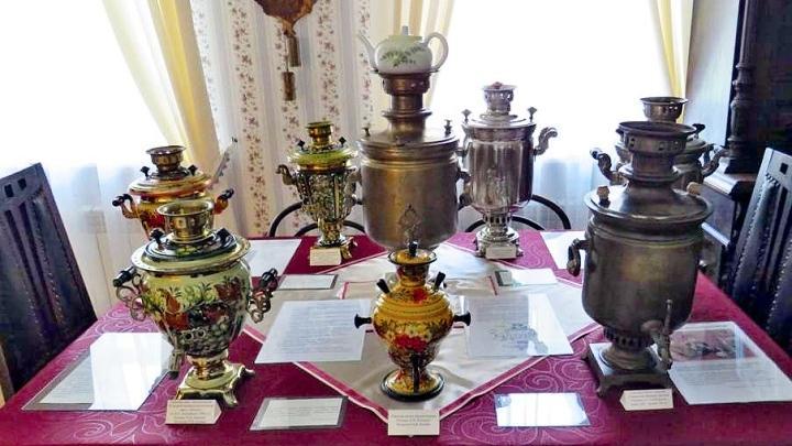 В доме-музее Ивана Бунина города Ефремова открылась выставка тульских самоваров