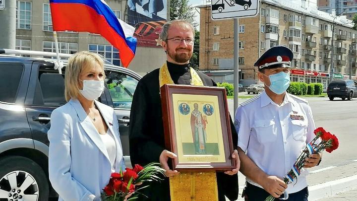 В Туле состоялся крестный ход, посвящённый памяти защитников Тульского кремля