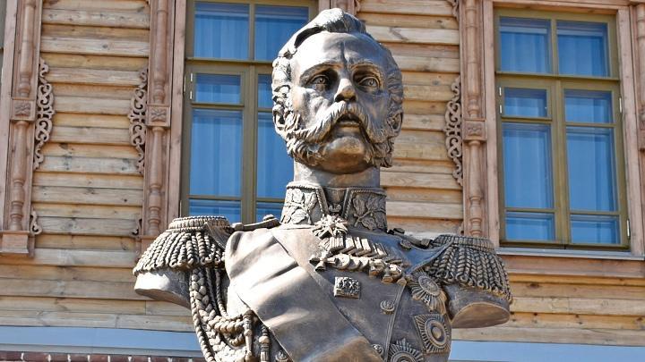 В Белёве открыли бюст императора Александра Второго
