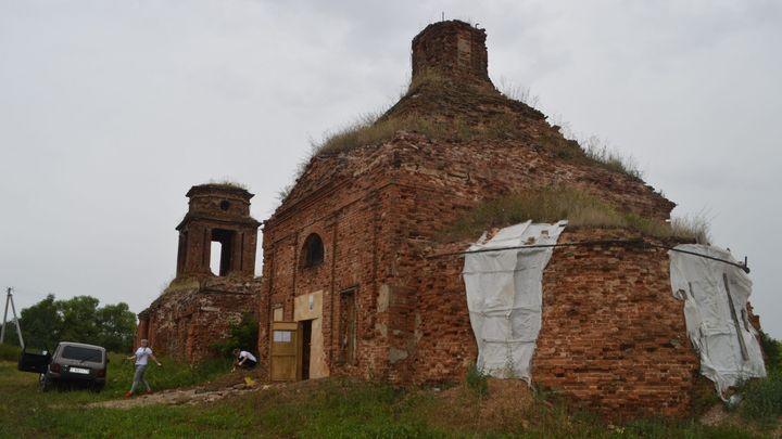 В Волово восстанавливают заброшенный храм с многовековой историей