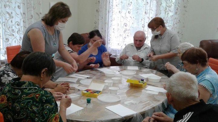 Дончан старшего поколения учат жить «В гармонии с возрастом»