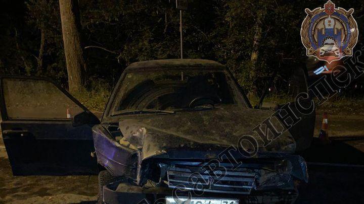 В Киреевске пассажир «Лады» погиб после наезда машины на столб