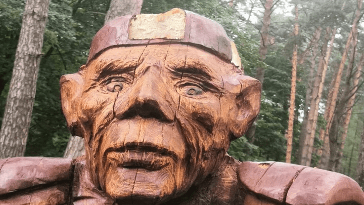 В Алексине Кощею Бессмертному отпилили пальцы и повредили корону