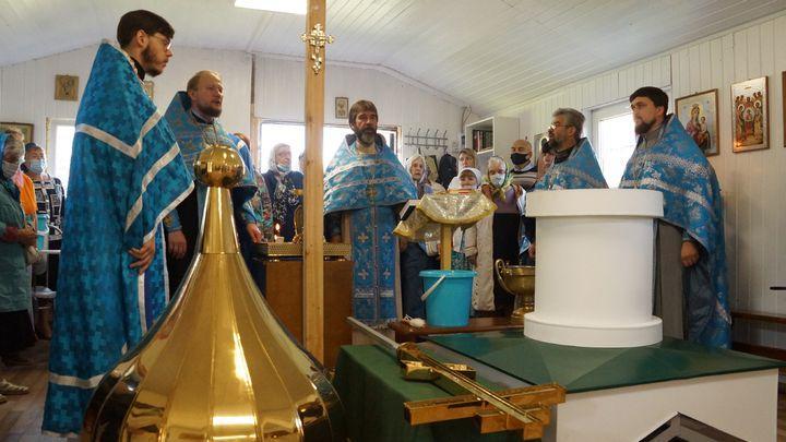 В Туле освятили купол и крест глухополянского Никольского храма