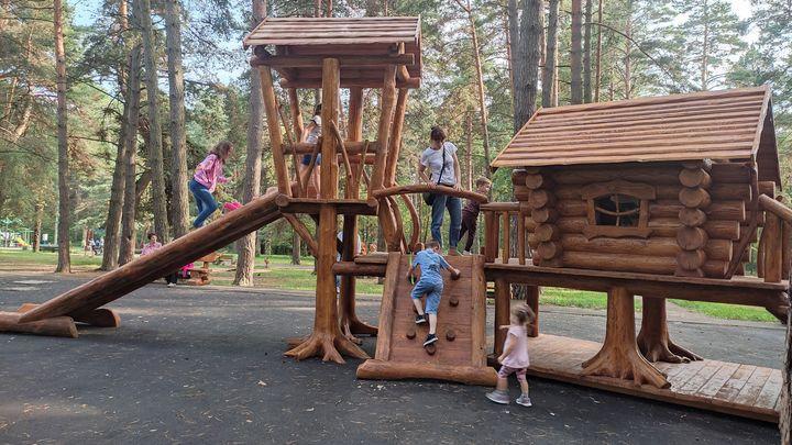В алексинском парке «Жалка» появилась «Избушка на курьих ножках»