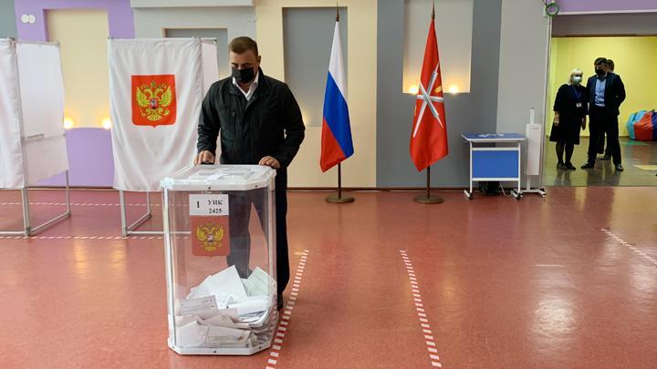 Алексей Дюмин проголосовал на выборах депутатов Госдумы