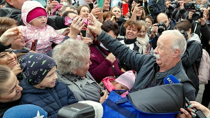 В Туле стартовал фестиваль «Улыбнись, Россия!», а Якубович раздал 500 эскимо
