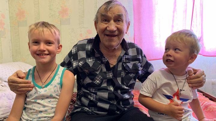 В Тульской области стартовала акция «Поздравь бабушку и дедушку»