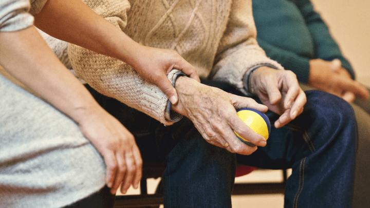 21 сентября отмечается Всемирный день болезни Альцгеймера