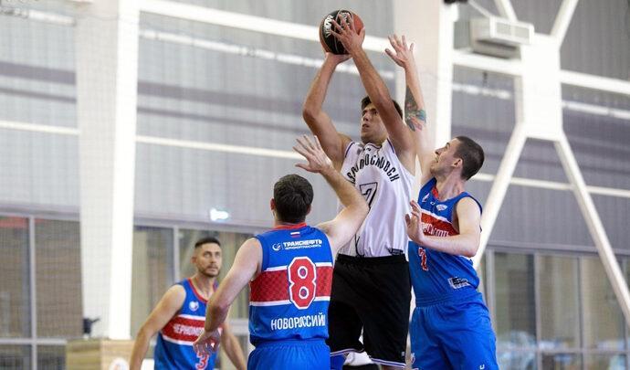 Баскетболисты «Новомосковска» одержали первую победу в Суперфинале МЛБЛ