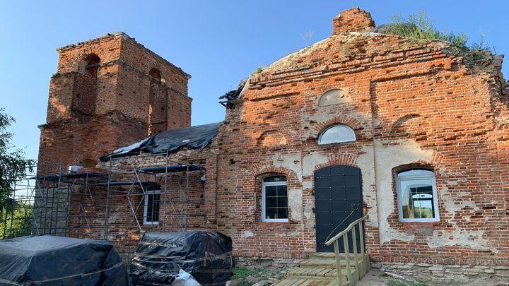 В Ефремовском районе прошёл крестный ход, приуроченный к годовщине возобновления литургической жизни храма