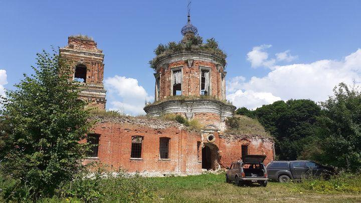 В возрождаемом Никольском храме села Руднево состоялся  молебен