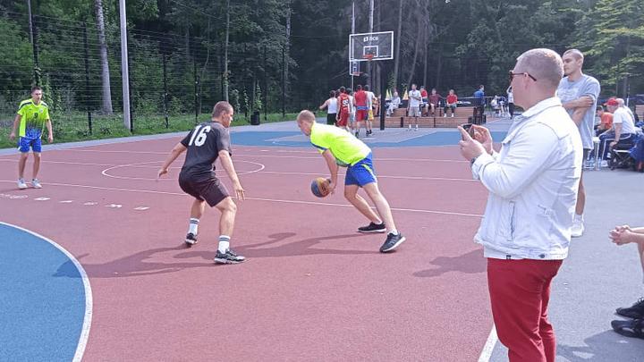В Новомосковске состоялся Чемпионат по дворовым играм