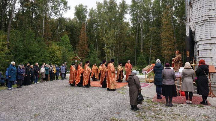 В Тесницком лесу почтили память тульских новомучеников