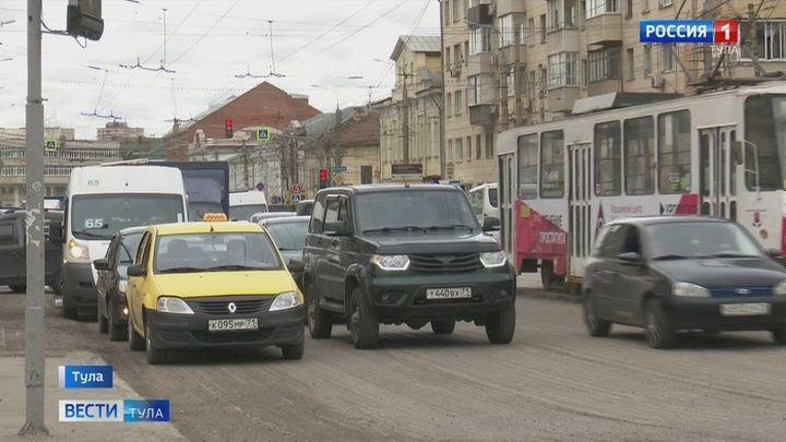 Тульские водители стоят в десятибалльных пробках