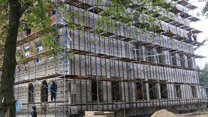 В Новомосковске продолжается реконструкция закрытой почти 15 лет назад школы