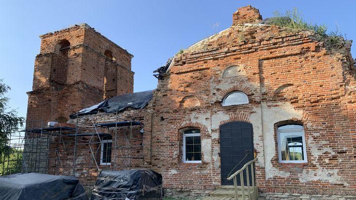 В селе Слободское в Ефремове из руин восстанавливают храм Николая Чудотворца
